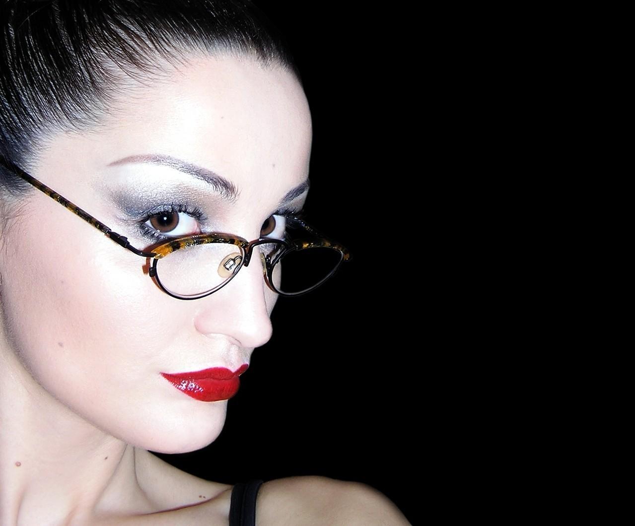 Dobór okularów do kształtu twarzy