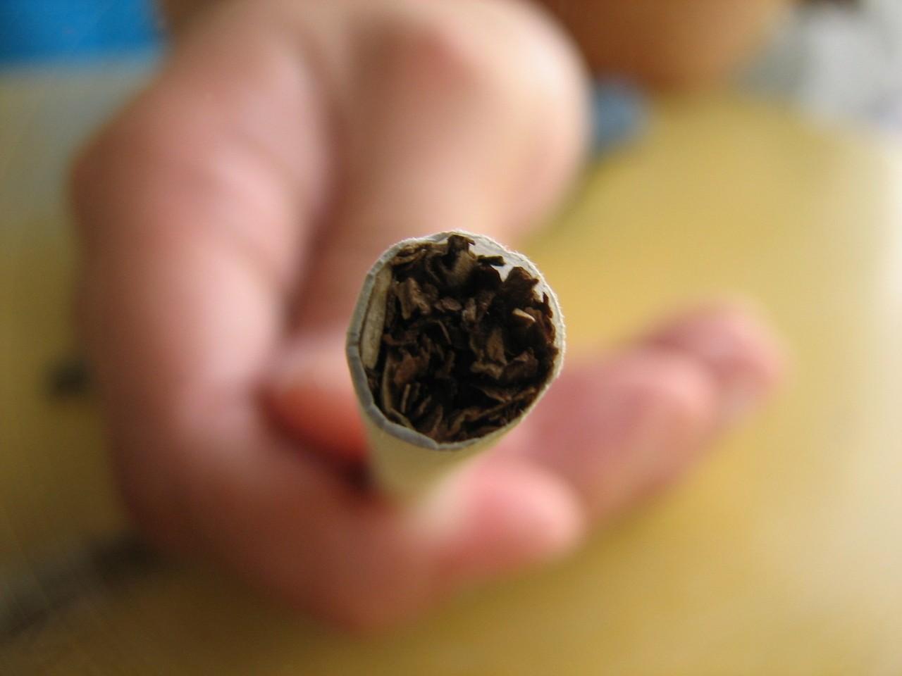 Fajki wodne a papierosy