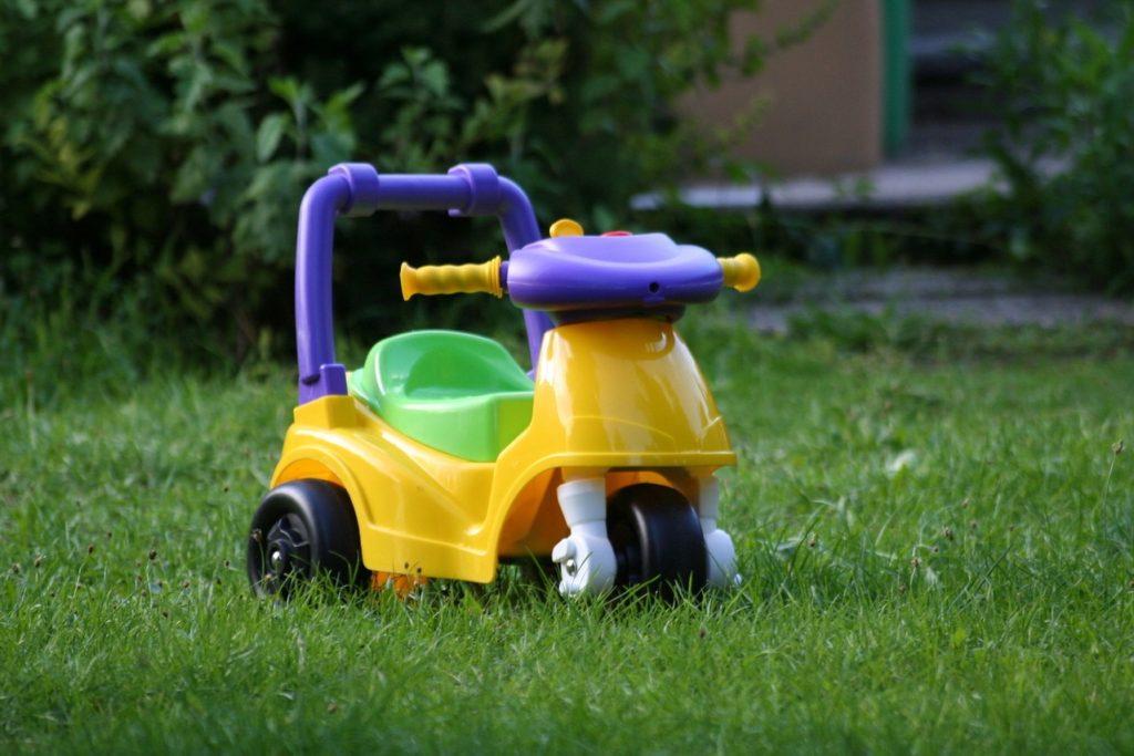 Bezpieczne zabawki – na co zwrócić uwagę?
